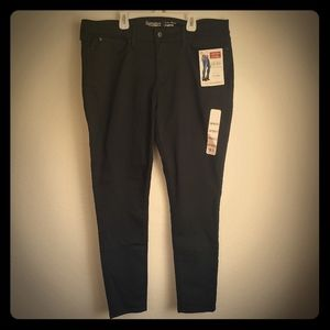 Levi Strauss signature stretch low rise jeggings